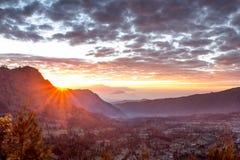 Sunlit долина Стоковые Фотографии RF