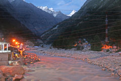 Sunlit Snow Peaks On Town Of Gangotri India Royalty Free Stock Photography