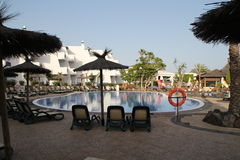 Sunloungers в гостинице Стоковые Фото