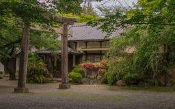 Sunno świątynia z wejściowym Torii i japończyk Uprawiamy ogródek, blisko do Himeji kasztelu Himeji, Hyogo, Japonia, Azja obraz stock
