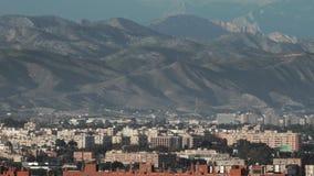 Sunny Alicante contra cuestas de montaña almacen de video