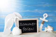 Sunny Card With Sommerferien Means-de Zomervakantie Stock Afbeelding