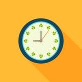Sunny Clock, feito dos trevos Começo positivo da mensagem do dia ilustração stock
