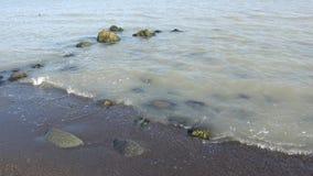 Sunny Day en el mar Caspio Lankaran, Azerbaijan almacen de video