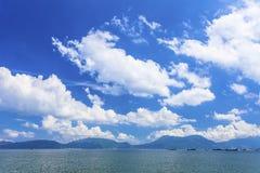 Sunny day landscape along the coast Royalty Free Stock Photography