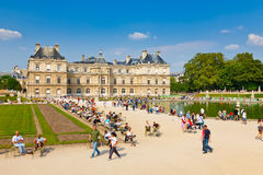 Sunny day in Luxembourg Garden, Paris Royalty Free Stock Photos