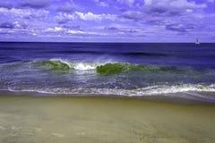 Sunny Day Sailing op de Oceaan royalty-vrije stock foto's