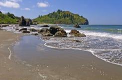 Sunny Day sur une plage d'océan Images libres de droits