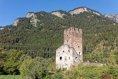 Free Sunny Days At Ruins Of Campell Campi Castle Stock Image - 131245231