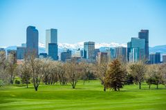 Sunny Denver Skyline Royalty-vrije Stock Foto