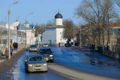Sunny February dag i den gamla staden Pskov Royaltyfri Foto