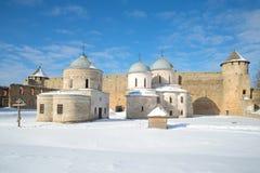 Sunny March-Tag in der Ivangorod-Festung - 27 Grad auf Celsius Stockbilder