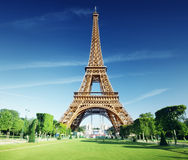 Sunny morning and Eiffel Tower Royalty Free Stock Photos