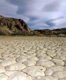 Sunny Mountain Scenery op het Onvruchtbare Grondgebied De Tijd van Droogte royalty-vrije stock afbeelding