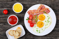Free Sunny Side Up Eggs With Bacon Stock Photo - 96803360