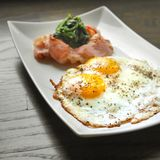 Sunny Side Up Fried Eggs Fotografia de Stock