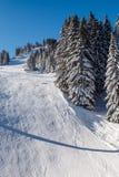 Sunny Ski Slope près de Megeve dans les Alpes français Images libres de droits