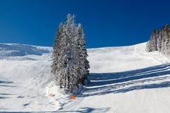 Sunny Ski Slope près de Megeve dans les Alpes français Images stock