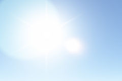 Sunny Sky claro no verão Fotografia de Stock