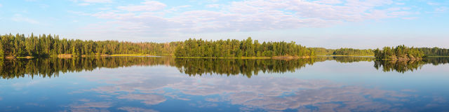 Sunny summer mornig on lake Royalty Free Stock Images