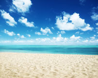 Sunny tropical beach Royalty Free Stock Photography