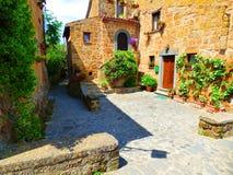 Sunny Tuscan Patio fotografie stock libere da diritti