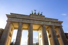 Sunrays Берлина строба скалистой вершины Brandenburger стоковое изображение