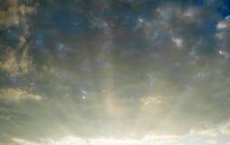 sunrays för blå sky Royaltyfri Bild