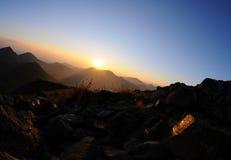Sunrice in berg Royalty-vrije Stock Afbeeldingen