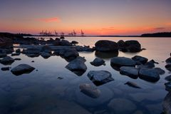 Sunrise behind the harbour Royalty Free Stock Images