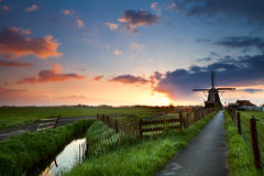 Sunrise behind windmill, Netherlands Royalty Free Stock Photos