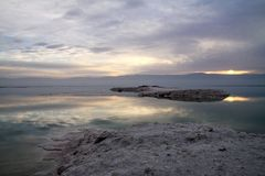 Sunrise on the Dead Sea Royalty Free Stock Photos