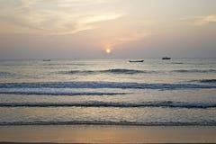 Sunrise. Early morning sun rise in sea shore Royalty Free Stock Photo