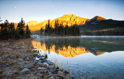 Sunrise Mountain reflection on the lake Royalty Free Stock Photography