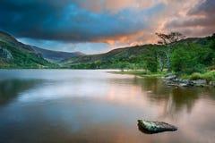Sunrise Over Llyn Gwynant In Snowdonia Stock Photos