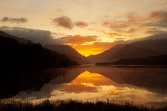 Sunrise over llyn Padarn Royalty Free Stock Photography