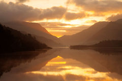 Sunrise over llyn Padarn Stock Photos
