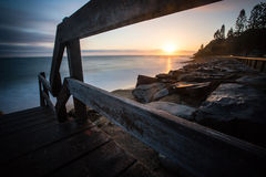 Sunrise over looking ocean Royalty Free Stock Images