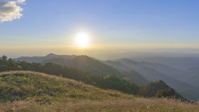 Sunrise over the mountain range Royalty Free Stock Photography