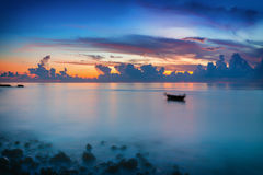 Sunrise over ocean Royalty Free Stock Photos