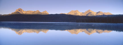 Sunrise over Redfish Lake Royalty Free Stock Photos