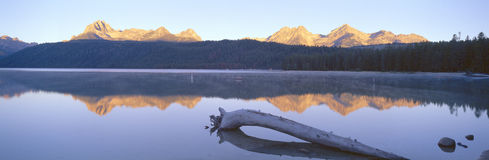 Sunrise over Redfish Lake Royalty Free Stock Images