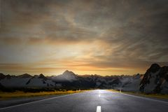 Sunrise over the road Royalty Free Stock Photography