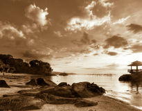 Sunrise Over Rocky Beach Royalty Free Stock Photos
