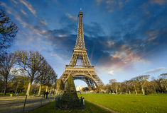 Sunrise in Paris, with the Eiffel Tower Royalty Free Stock Images
