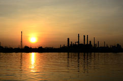 Sunrise scene of Oil refinery Royalty Free Stock Photos