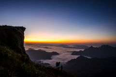 Free Sunrise Scene With The Peak Of Mountain And Cloudscape Stock Photo - 111365850