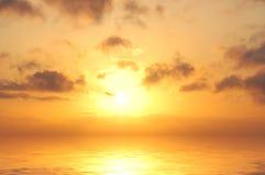 Sunrise in sea. Sky line Royalty Free Stock Image