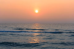 Sunrise in the sea Royalty Free Stock Images