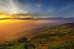 Sunrise shot of Phu Tab berg Royalty Free Stock Images